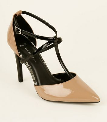Wide Fit Camel Patent T-Bar Pointed Courts
