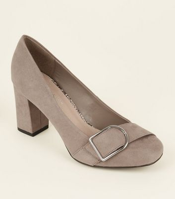 Wide Fit Light Brown Comfort Flex Buckle Trim Courts