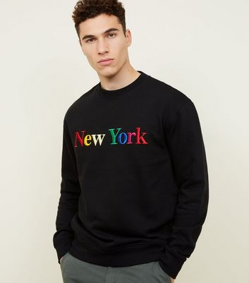 "Schwarzes Sweatshirt mit ""New York""-Stickerei in Regenbogen-Optik"