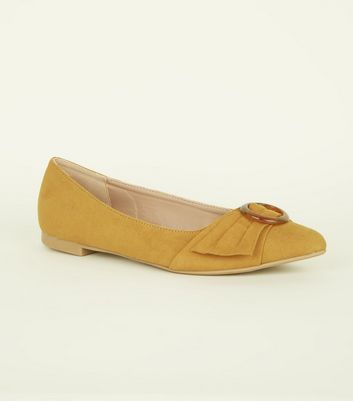 Mustard Resin Ring Strap Pointed Pumps