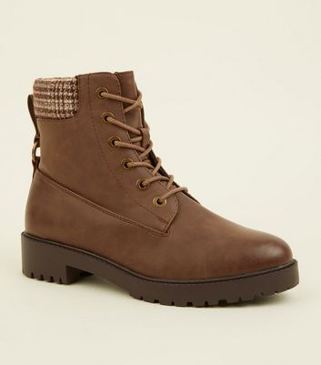 Brown Check Cuff Flat Lace Up Boots