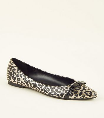 Gold Metallic Leopard Print Bow Pointed