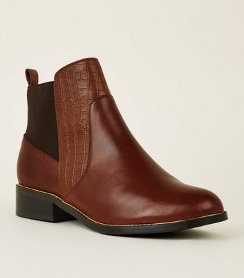 Tan Leather Metal Trim Chelsea Boots
