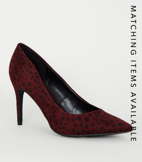 8918fdbcadae ... Burgundy Animal Print Pointed Court Shoes ...