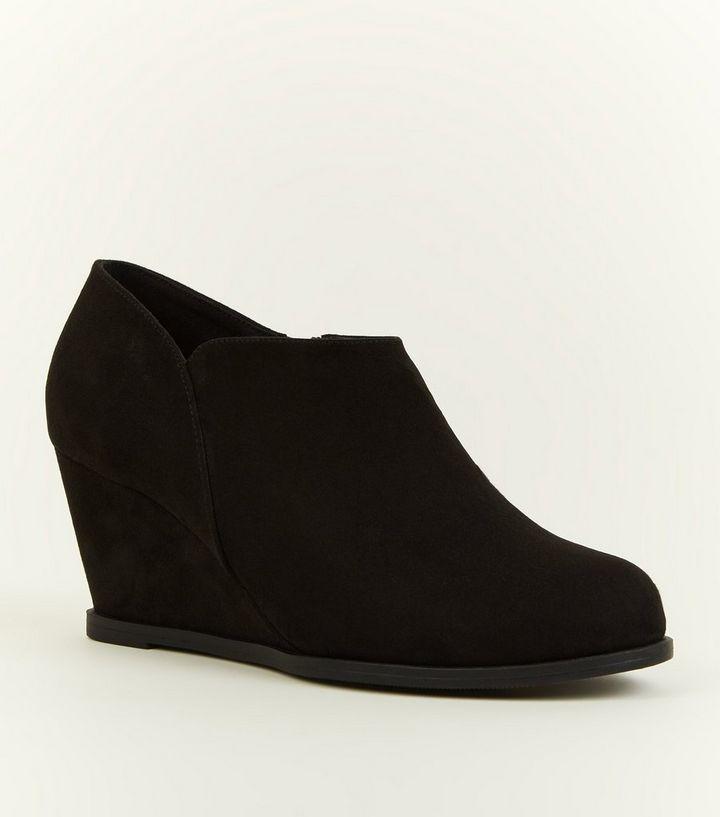 81a0933c5 Girls Black Suedette Wedge Heel Shoe Boots New Look