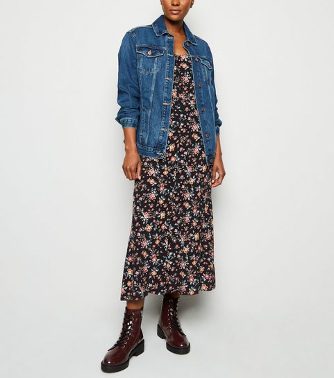 e5b5e3d324e4 ... Veste bleue en jean boutonnée ...