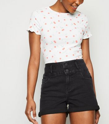 Short en jean noir sculptant et push-up à revers