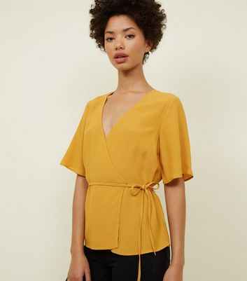 Yellow Wrap Front Tie Side Top