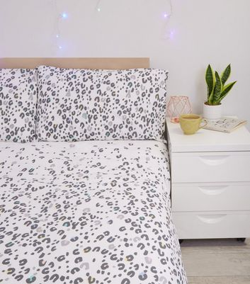 Grey Coloured Leopard Print Cotton Double Duvet Set