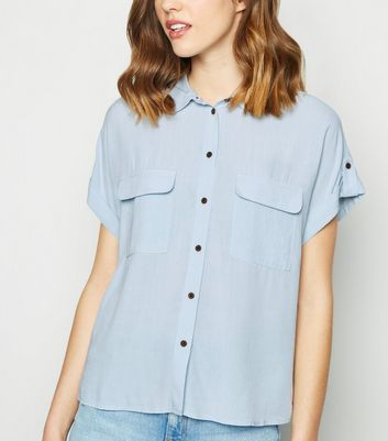 Pale Blue Pocket Front Short Sleeve Shirt