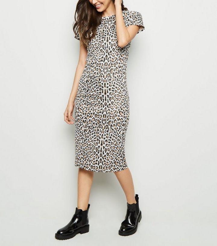 b60decac4e8 Light Brown Leopard Jacquard Midi Dress