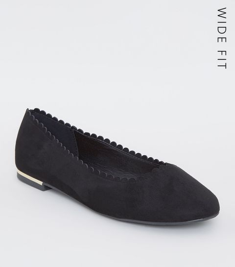 8352e28e94e ... Wide Fit Black Scallop Edge Ballet Pumps ...