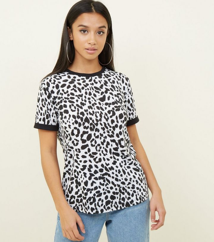697b729c09 Petite White Leopard Print T-Shirt | New Look