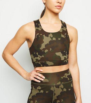 Khakifarbener Sport Bralette Mit Camouflage Muster by New Look