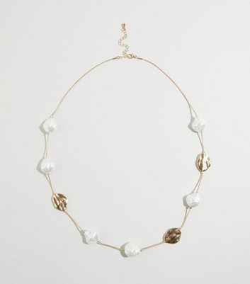 Gold Faux Pearl and Hammered Disc Necklace