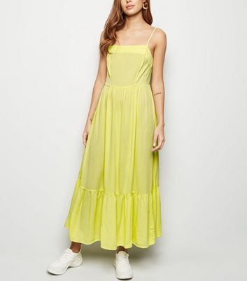 Light Green Crinkle Tiered Hem Midi Dress