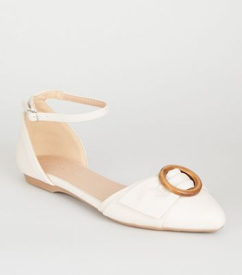 Off White Leather-Look Ring Front Pumps