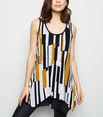 Apricot White Geometric Sleeveless Top