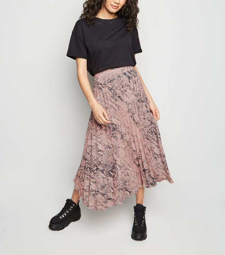 098e9c434cd6 Petite Pink Snake Print Pleated Midi Skirt | New Look