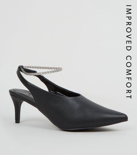 promo code 93f00 a9724 ... Chaussures noires en similicuir à bride arrière et à chaîne ...