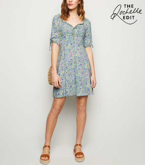 ... Green Ditsy Floral Lace Up Dress ... 25a2101f6