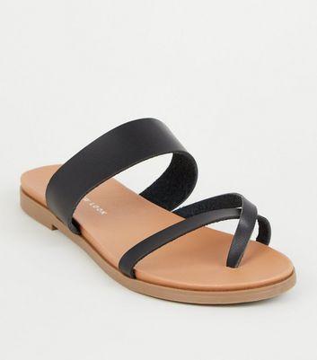 Wide Fit Black Toe Loop Footbed Sandals by New Look