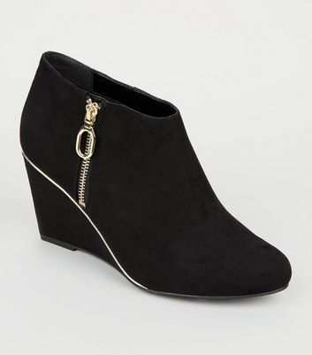 Wide Fit Black Gold Trim Wedge Ankle Boots