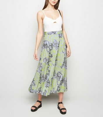 Tall Green Snake Print Pleated Mid Skirt