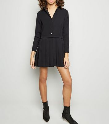 Cameo Rose Black Pleated Smock Dress