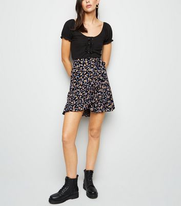 Black Ditsy Floral Ruffle Mini Skirt