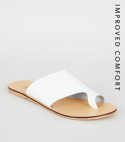 58564618c ... White Leather Toe Loop Sliders ...