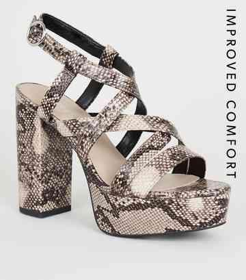 0f67e4cd875af1 Chaussures à talons plateformes beige à effet peau de serpent ...
