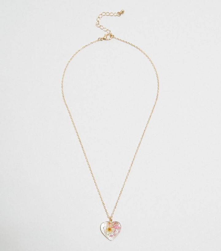 Gold Pressed Flower Heart Pendant Necklace New Look