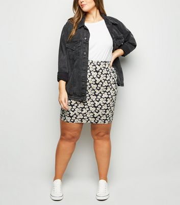 Curves Black Daisy Print Tube Skirt