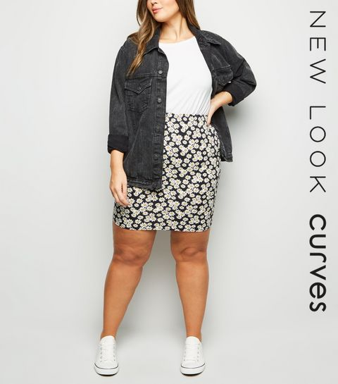 2e713f5b755 ... Curves Black Daisy Print Tube Skirt ...