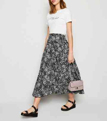 e3e71a5e8f Women's Printed Skirts | Leopard, Stripe, & Floral Skirts | New Look