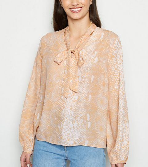 1eb13d7824aa ... Pink Snake Print Tie Neck Shirt ...