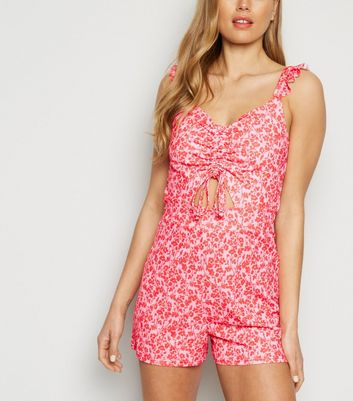 Cameo Rose - Rosa Playsuit mit Blümchenmuster und Cut-out