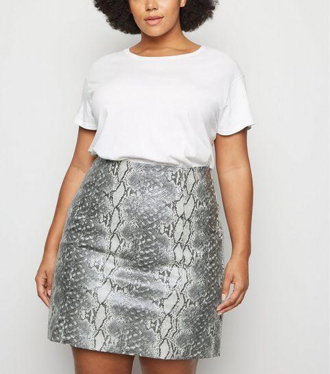 b070d8930d Women's Plus Size Clothing | Tops, Dresses & Jeans | New Look