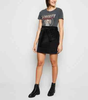 177471b402217 Mini-jupe noire en velours côtelé à taille haute à plis ...