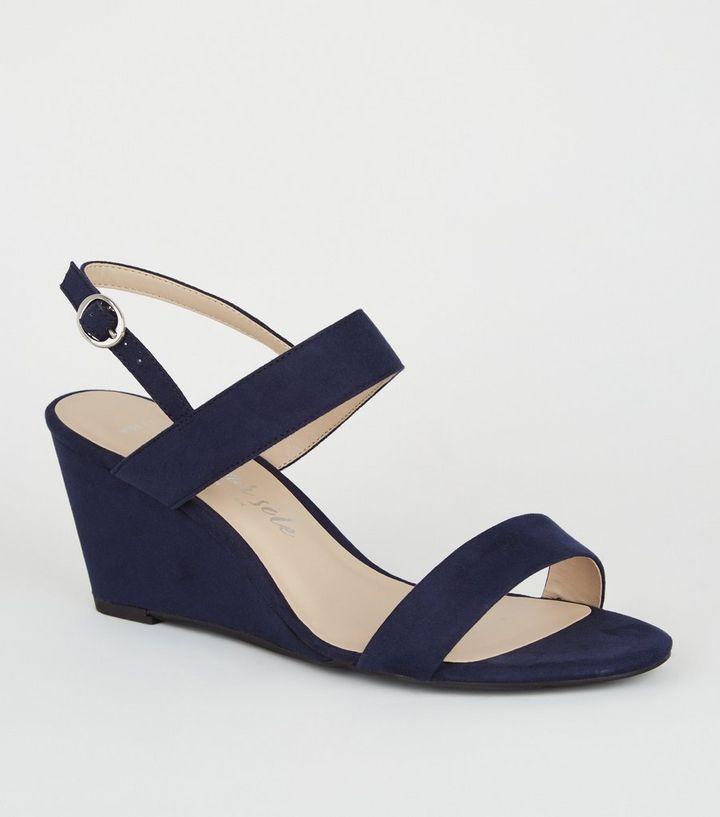 super popular 62e5d c3e23 Wide Fit – Marineblaue, 2-teilige Schuhe mit Keilabsatz Für später  speichern Von gespeicherten Artikeln entfernen