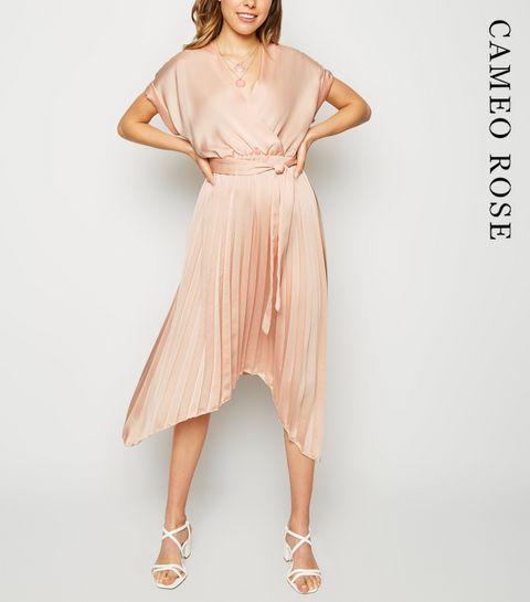 1d7b800f8487 Wrap Dresses | Long Sleeve, Velvet & Midi Wrap Dresses | New Look