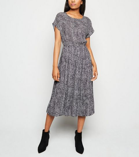 7cf9c9c55 Petite Dresses | Petite Maxi, Midi & Mini Dresses | New Look
