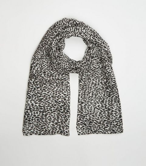 7724e2156e7cb Women's Scarves | Lightweight & Leopard Print Scarves | New Look