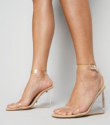 Cremefarbene Sandalen & Flip Flops   Damenschuhe   New Look