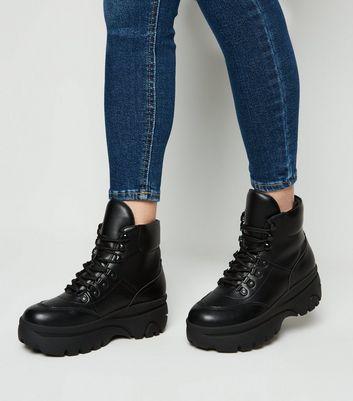 Black Chunky Flatform Lace-Up Boots
