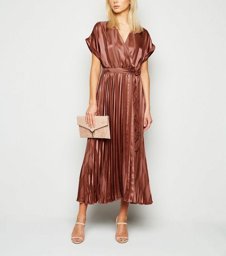 Robe Mi Longue Rouge Brique A Rayures Satinee Et Plissee New Look