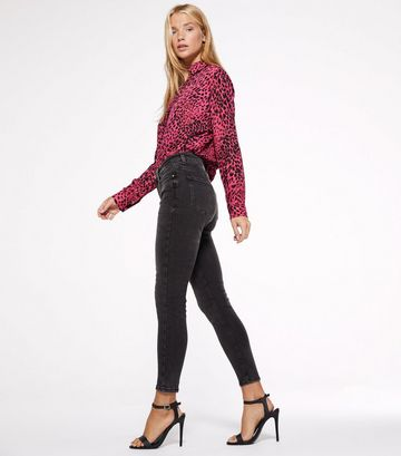 Petite Black Washed Mid Rise Super Skinny Jeans